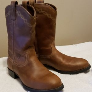 Euc ariat ropers brown leather boots 7.5